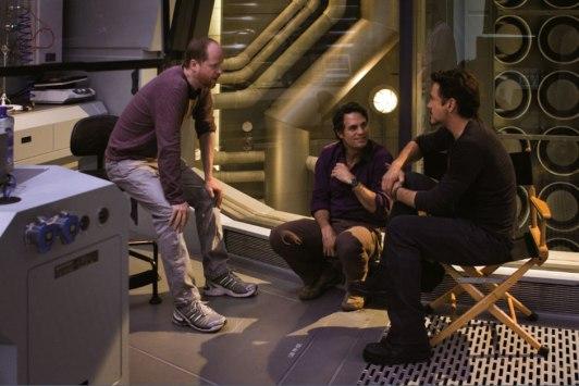 Joss-Whedon-Mark-Ruffalo-and-Robert-Downey-Jr-on-the-set-of-The-Avengers-2012-Movie-Image