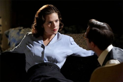 https://stephanieplusverb.files.wordpress.com/2015/01/agent-carter-pilot-hayley-atwell_article_story_large.jpg?w=500&h=337